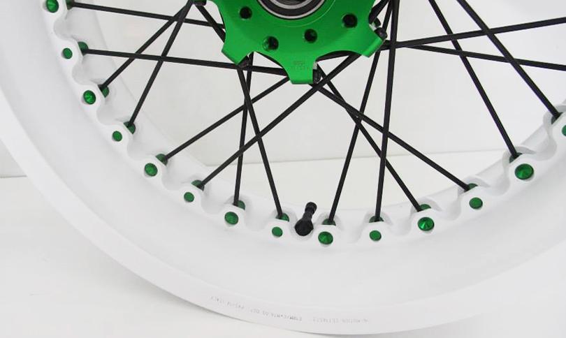 Kineo Wheels White & Green