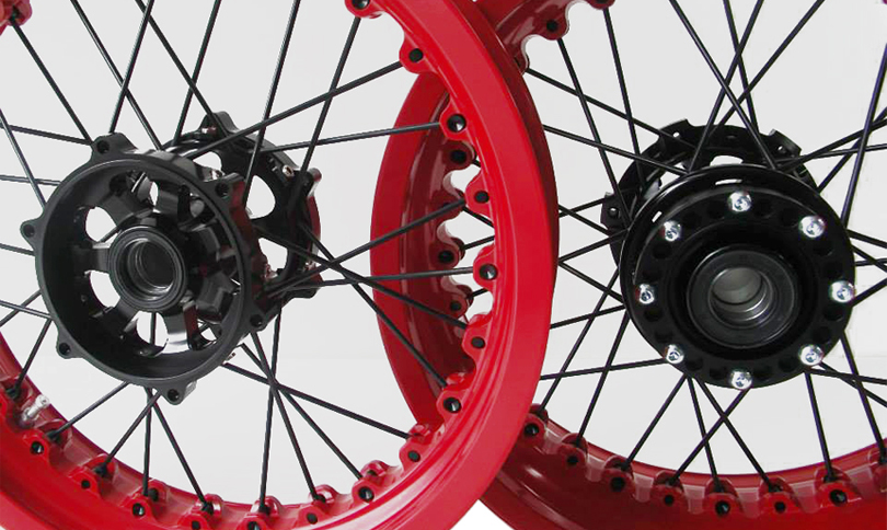 Kineo Wheels Red & Black